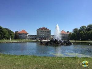 München: Spaziergang im Park des Schloss Nymphenburg. (1)