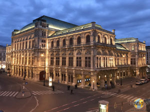 Staatsoper by night.