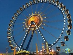 Muenchen-Oktoberfest-Riesenrad-1